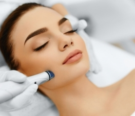 Why Spring Is the Ideal Season for Microdermabrasion